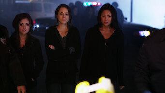 Pretty Little Liars: Season 1: Moments Later